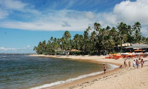 Festa literária fomenta turismo em Praia do Forte