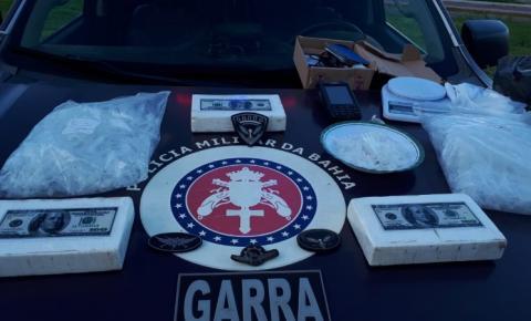 Águia apreende 5 kg de cocaína com dupla em São Marcos
