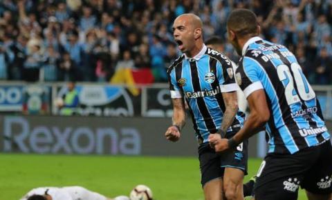 Grêmio vence e fica próximo da vaga na Libertadores