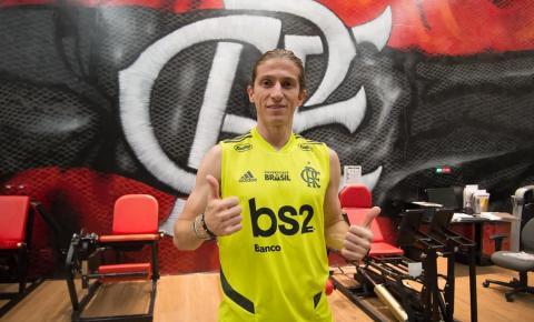 Filipe Luís é apresentado oficialmente pelo Flamengo