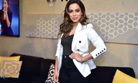 Anitta reage a projeto de Regina Duarte sobre baile funk: 'Precisa conhecer um'