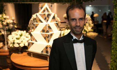 """Stefano Diaz faz parte da Websérie Gay """"Tão só, tão seu"""", no Youtube, feita a distância na quarentena."""
