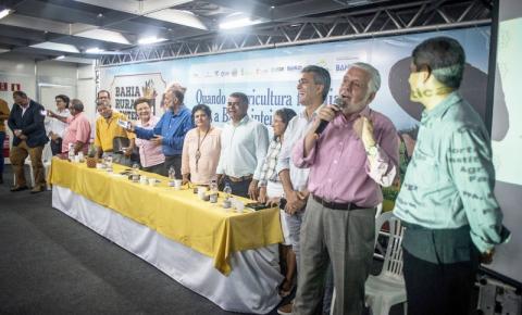 Fotos do Dia > Encontro reúne gestores municipais dos Territórios de Identidade da Bahia